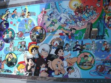 高田馬場駅前壁画C.jpg