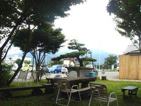 昭和村道の駅休憩所2.jpg