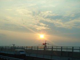 夕暮れの高速道路.jpg
